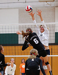 Walla Walla Valley Academy played Portland Adventist Academy in the championship volleyball match.